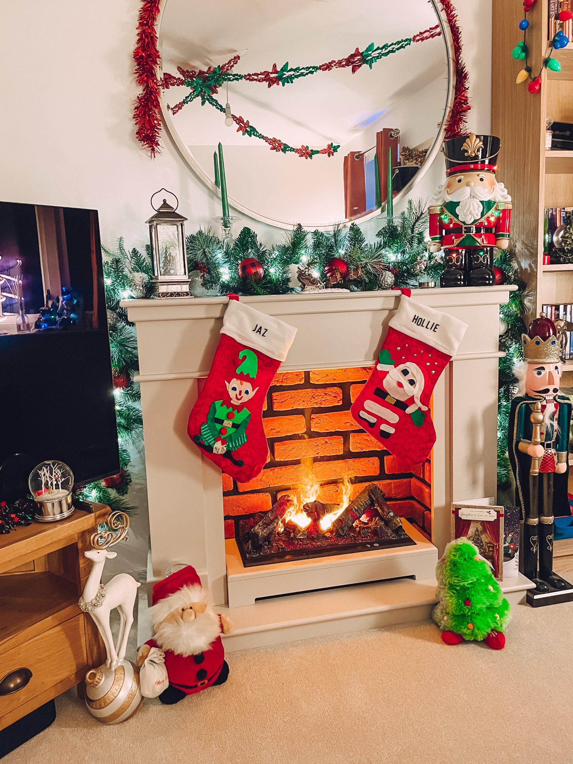 Christmas decoration house tour!